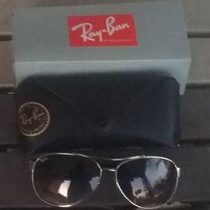 Brand New Black Granite RayBan Aviators RB3386